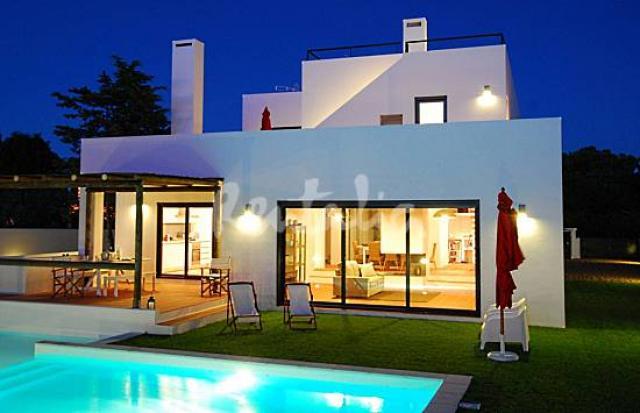Casas modernas com piscinas confira fotos e modelos for Casa moderna piscina